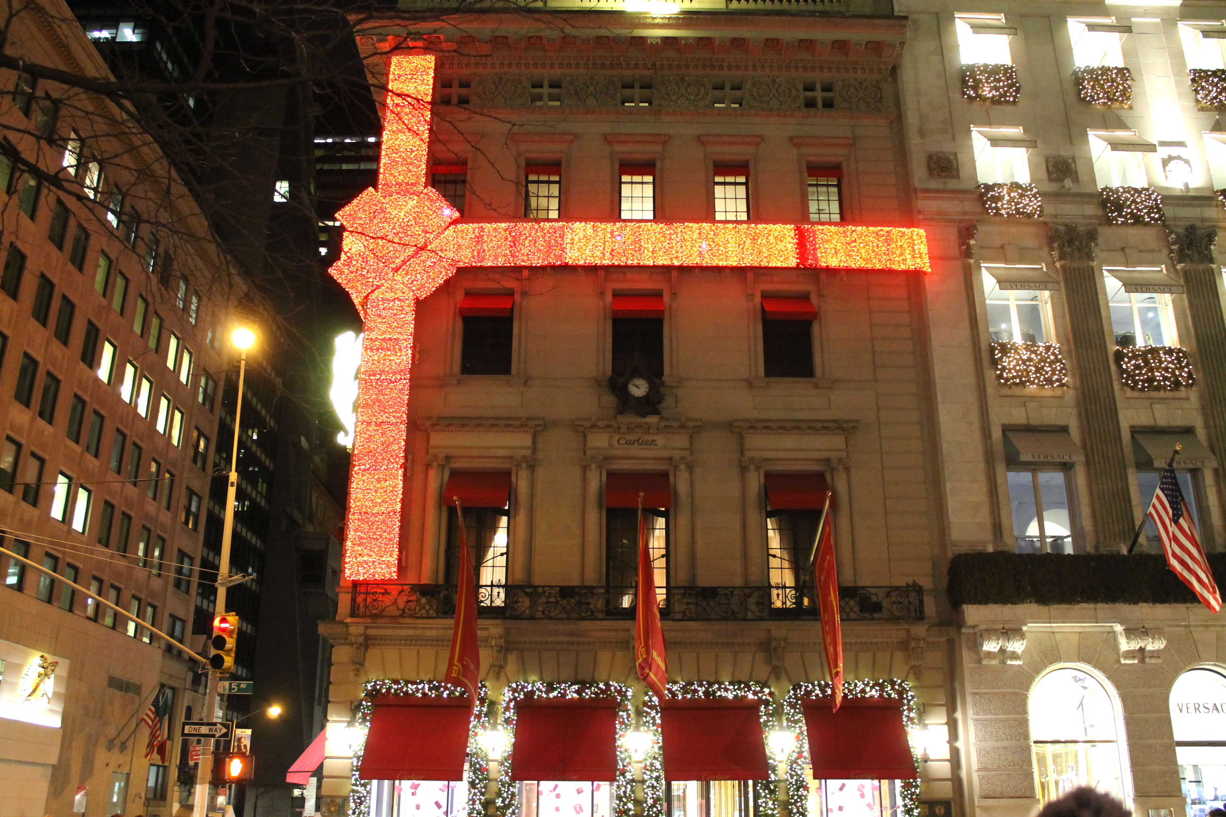 Holiday Lights free walking tour