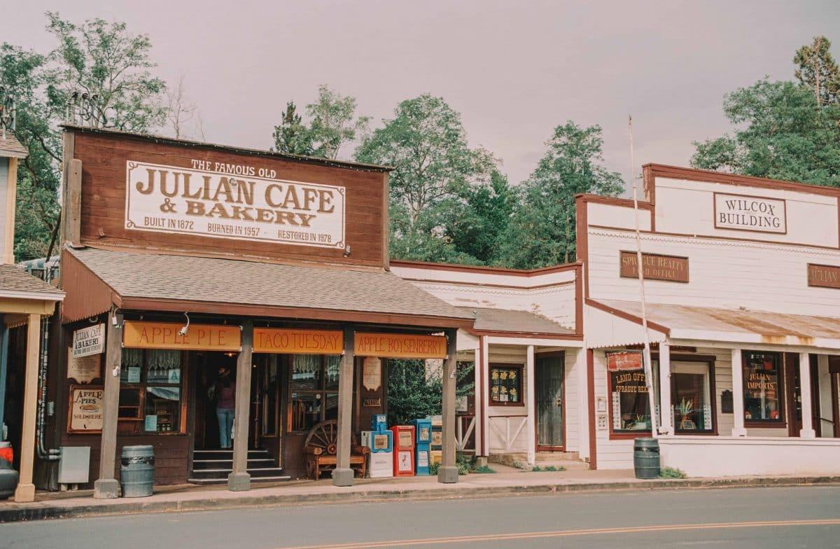 Self Guided Walking Tour of Julian