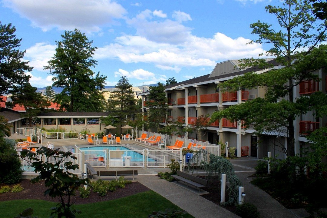 ashland oregon hotels - ashland hills hotel & suites