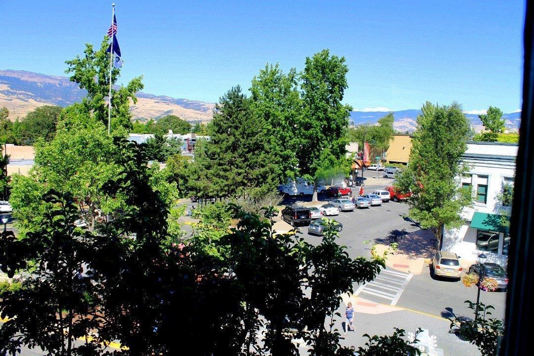 Granite Taphouse - Ashland, Oregon