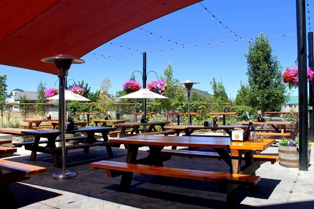 A guide to craft beer in bend oregon the atlas heart for Reclaimed wood bend oregon