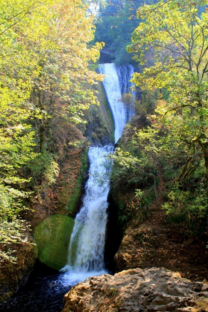 Columbia River Gorge Waterfall - Portland, Oregon