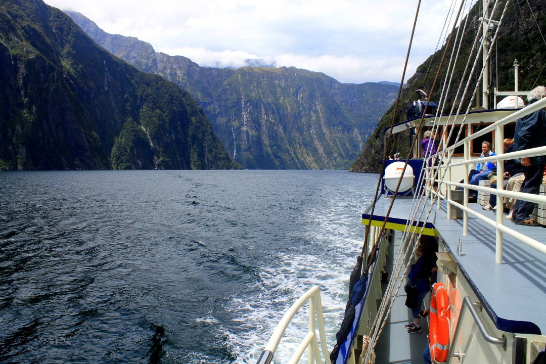 7 Must See Places in New Zealand - Milford Sound