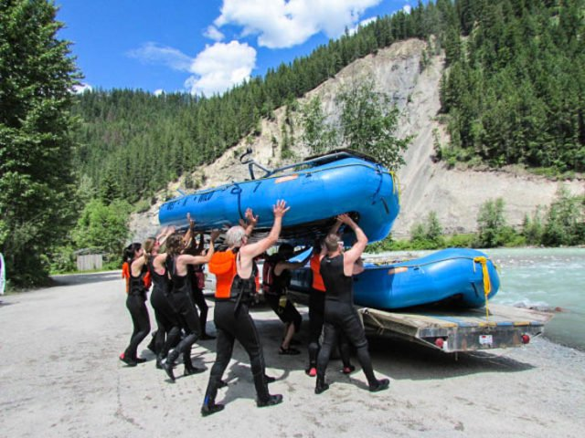 whitewater-rafting-golden-british-columbia-adventure-travel-canada