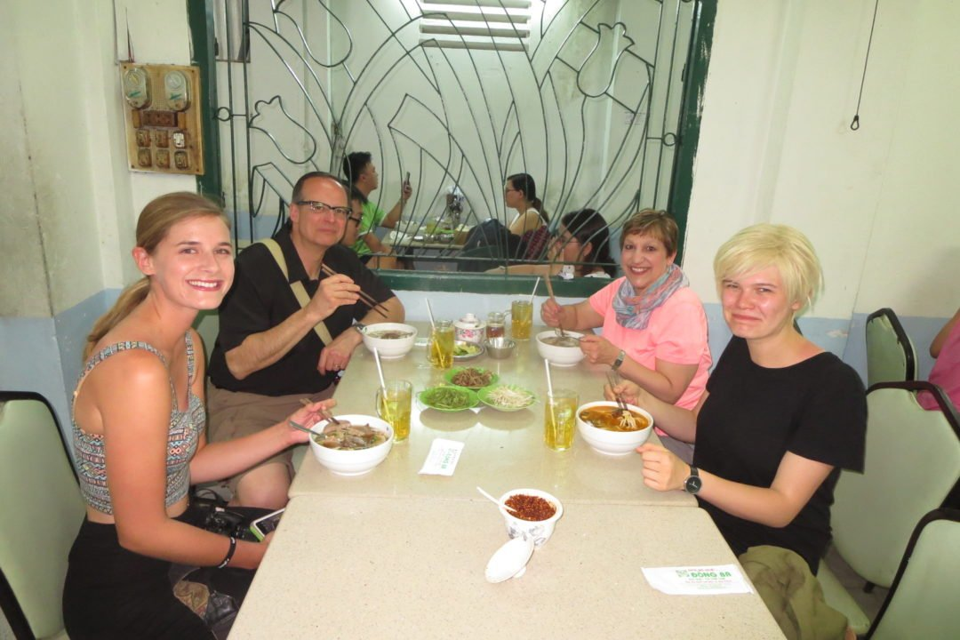 Best Vietnamese restaurant in Saigon - XO Tours