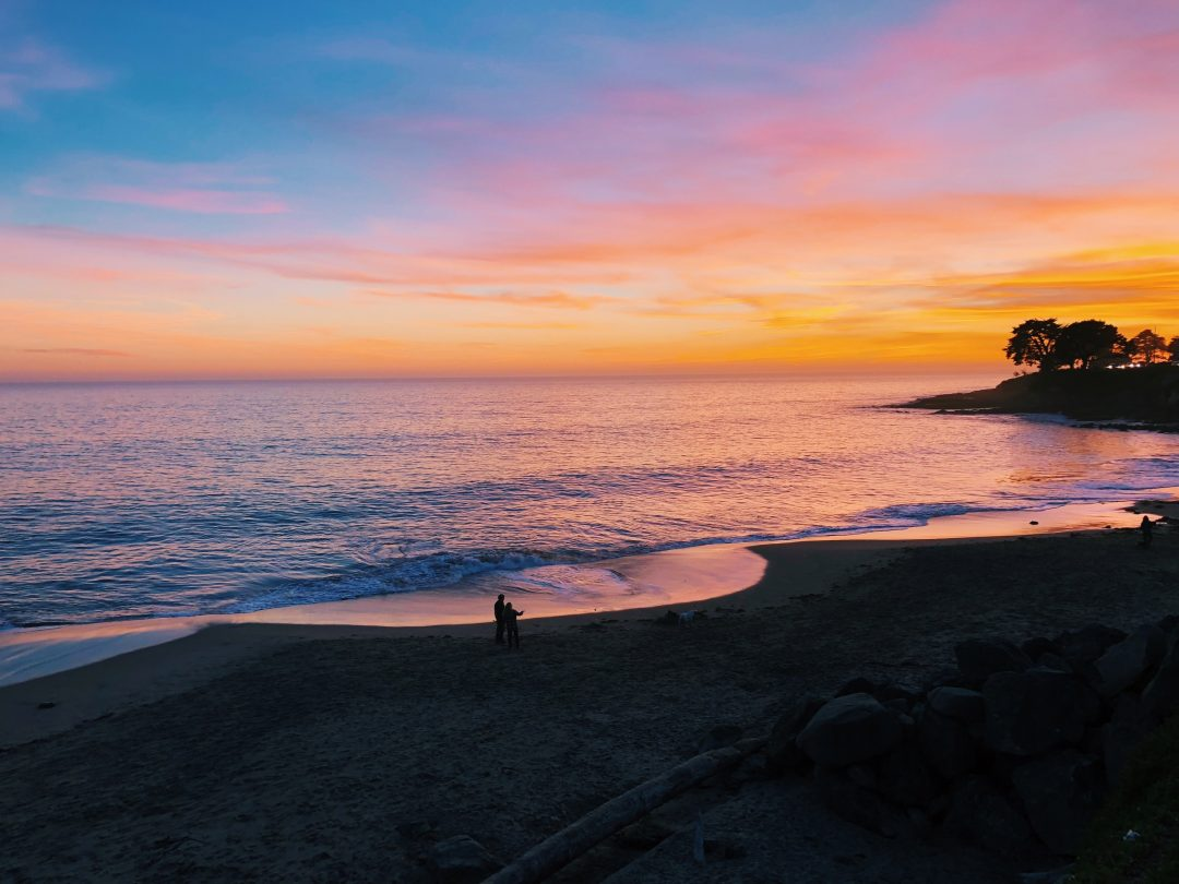 How to get from Los Angeles to Santa Cruz