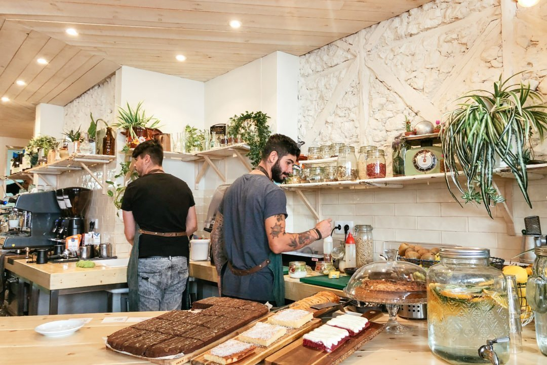 Tipping in Portugal | Flora & Fauna Cafe, Lisbon