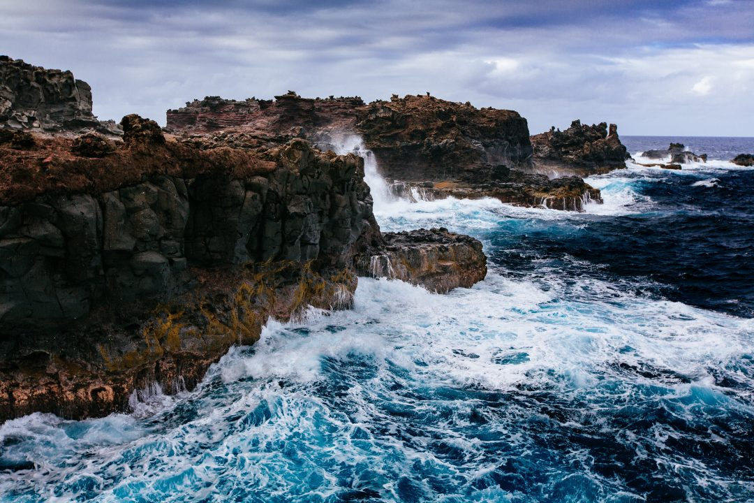 best hikes in maui - nakalele blowhole