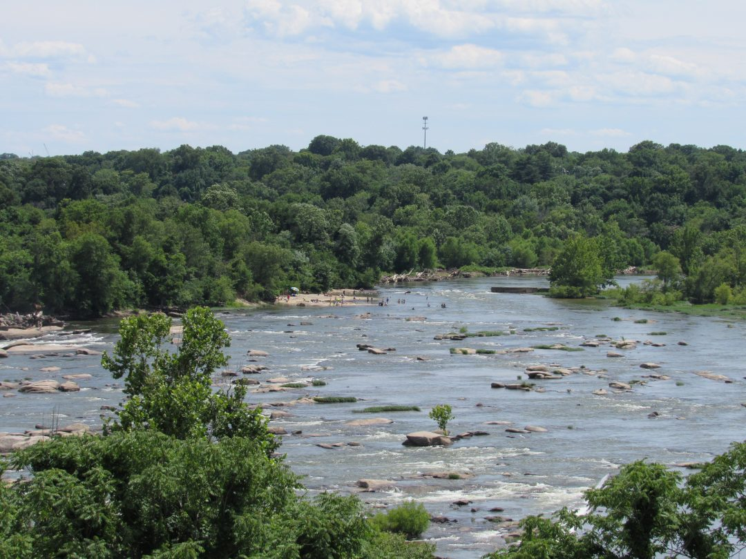 things to do in virginia - whitewater rafting the James River