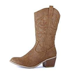 nashville fashion - cowboy boots