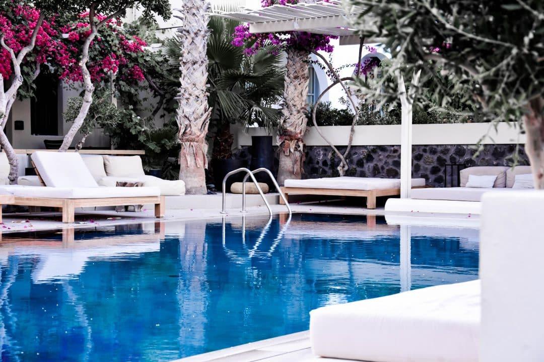 cheap-hotels-in-santorini-greece-kamari