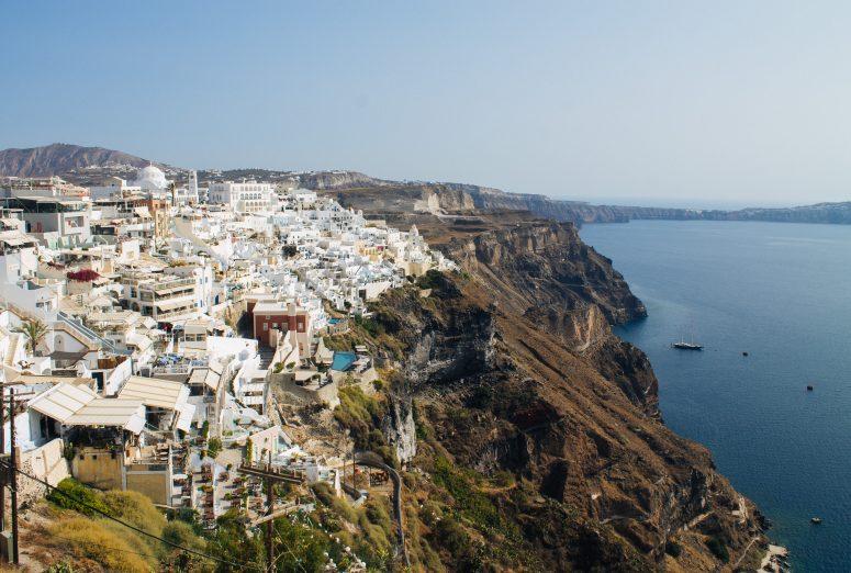 where-to-stay-in-santorini-greece