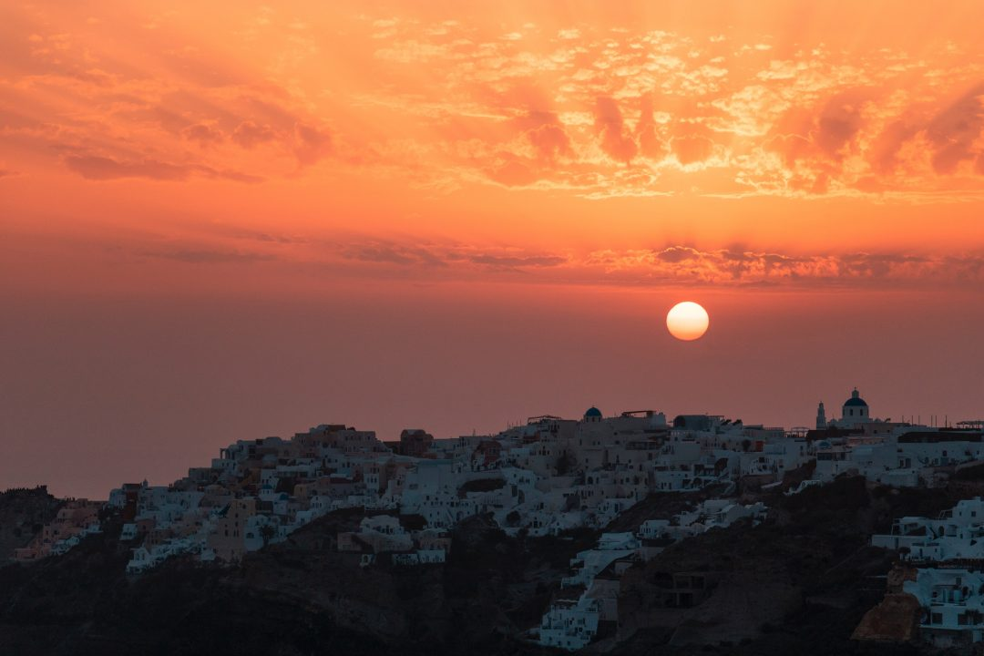 santorini things to do - sunset in oia