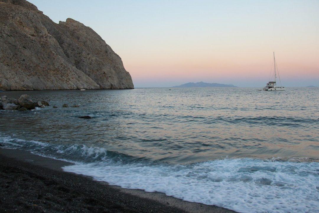 Perissa - where to stay in Santorini