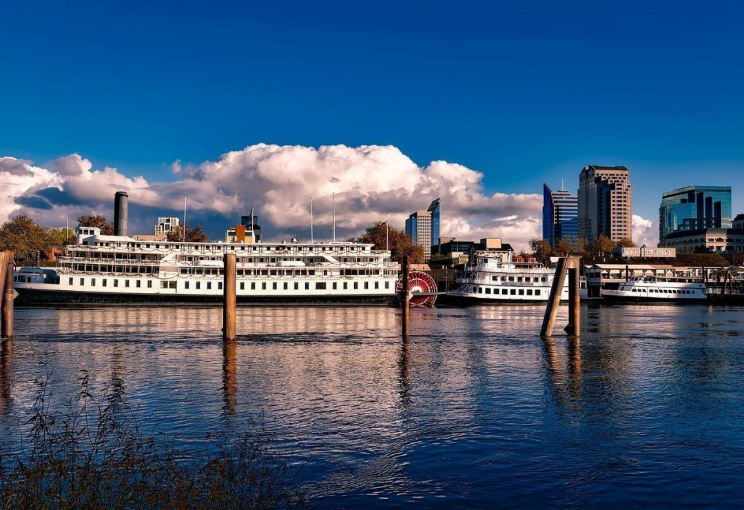 old town sacramento - historic river cruise