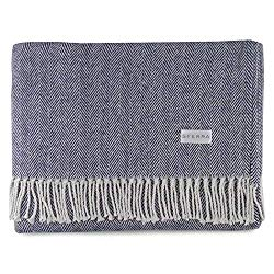 good family christmas gifts - cotton throw blanket