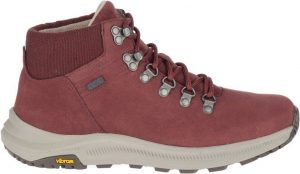 cute hiking outfit - merrell women's hiking boots