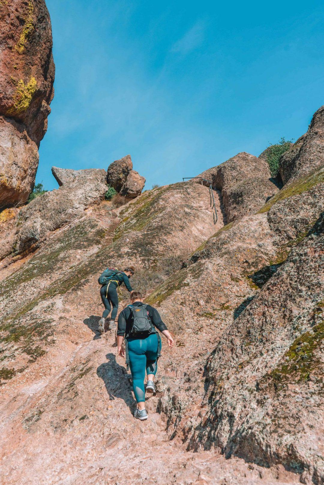 pinnacles hike - high peaks to bear gulch trail