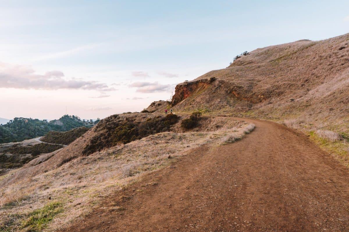 oakland hiking trail - Sibley