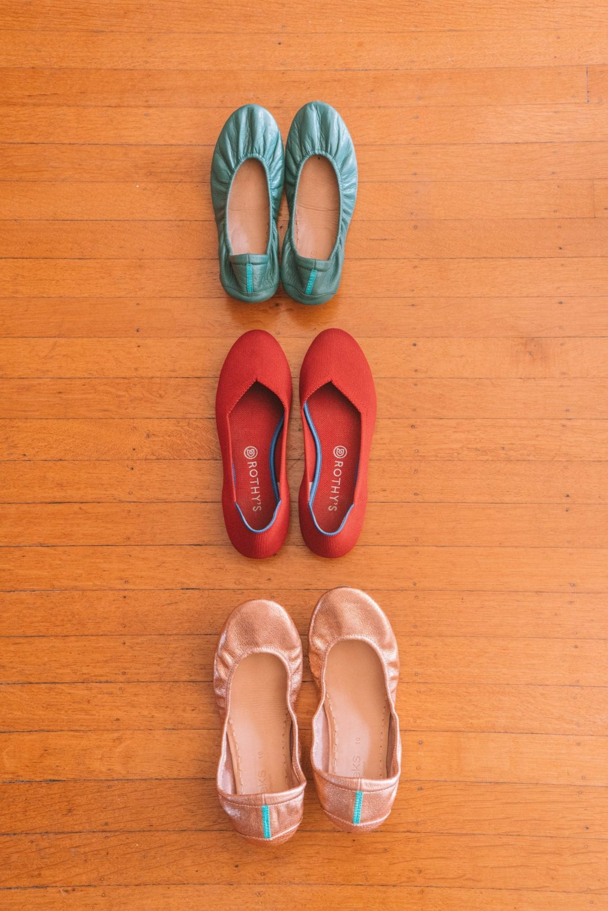 a look at Tieks shoes and rothy's shoes side by side